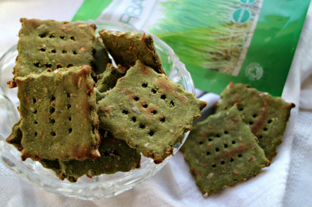 Crackers-con-erba-di-grano-5-mangiapositivo