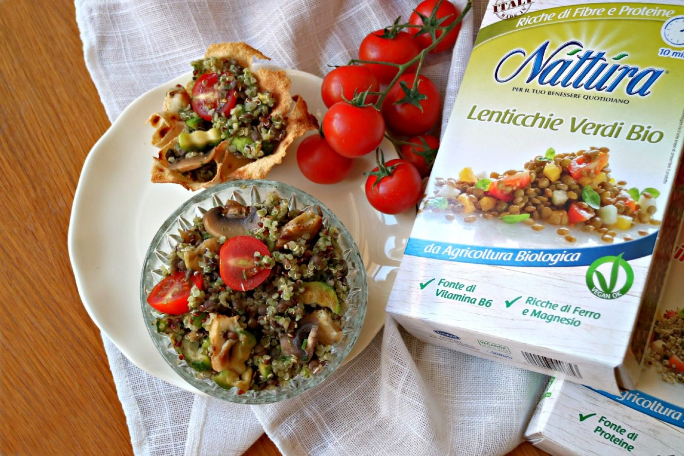 L'insalata di quinoa, lenticchie e verdure