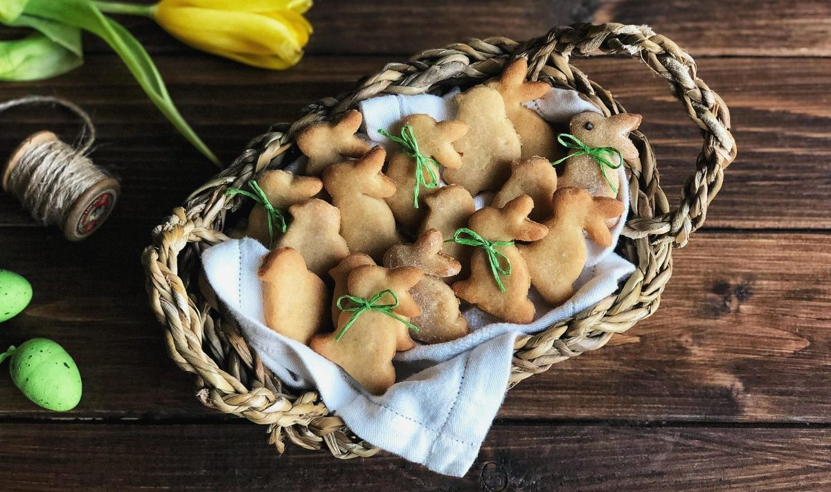 La ricetta dei biscotti di Pasqua frolla con farina di riso
