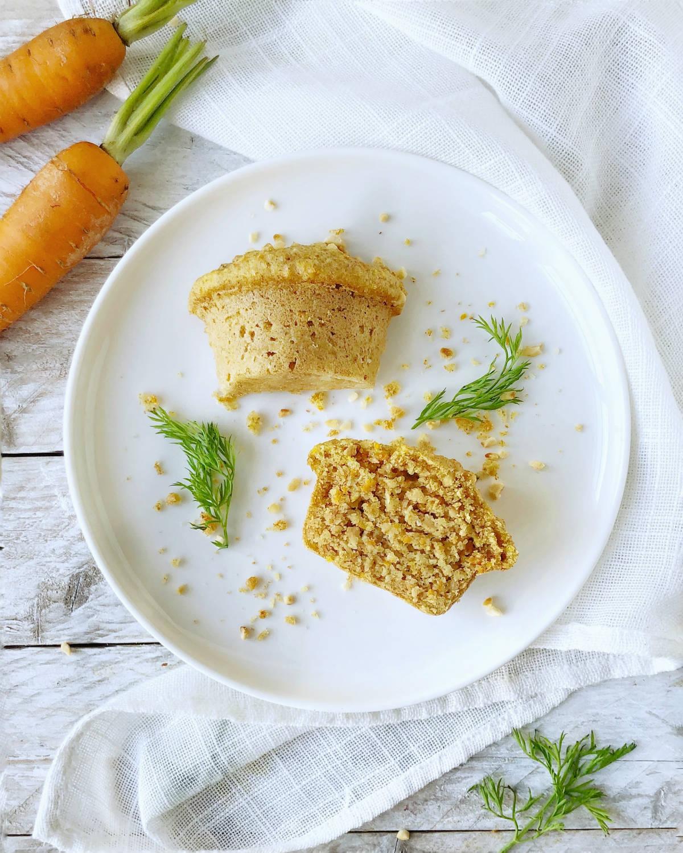 Come preparare i muffin vegani alle carote con cocco e nocciole