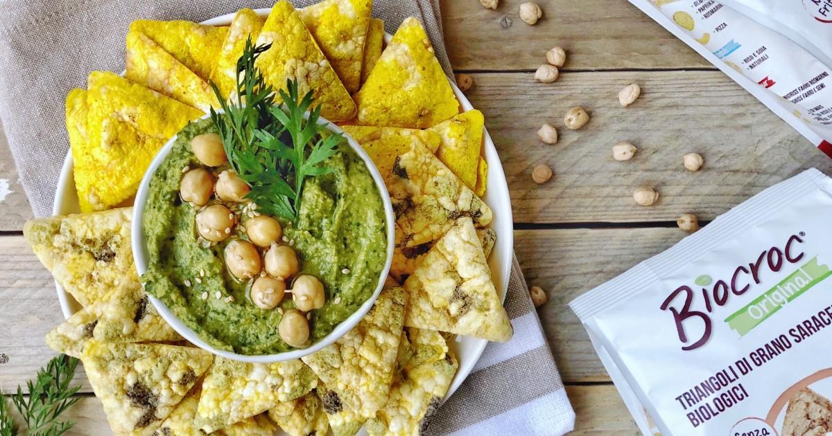 Hummus carote: come si prepara usando le foglie