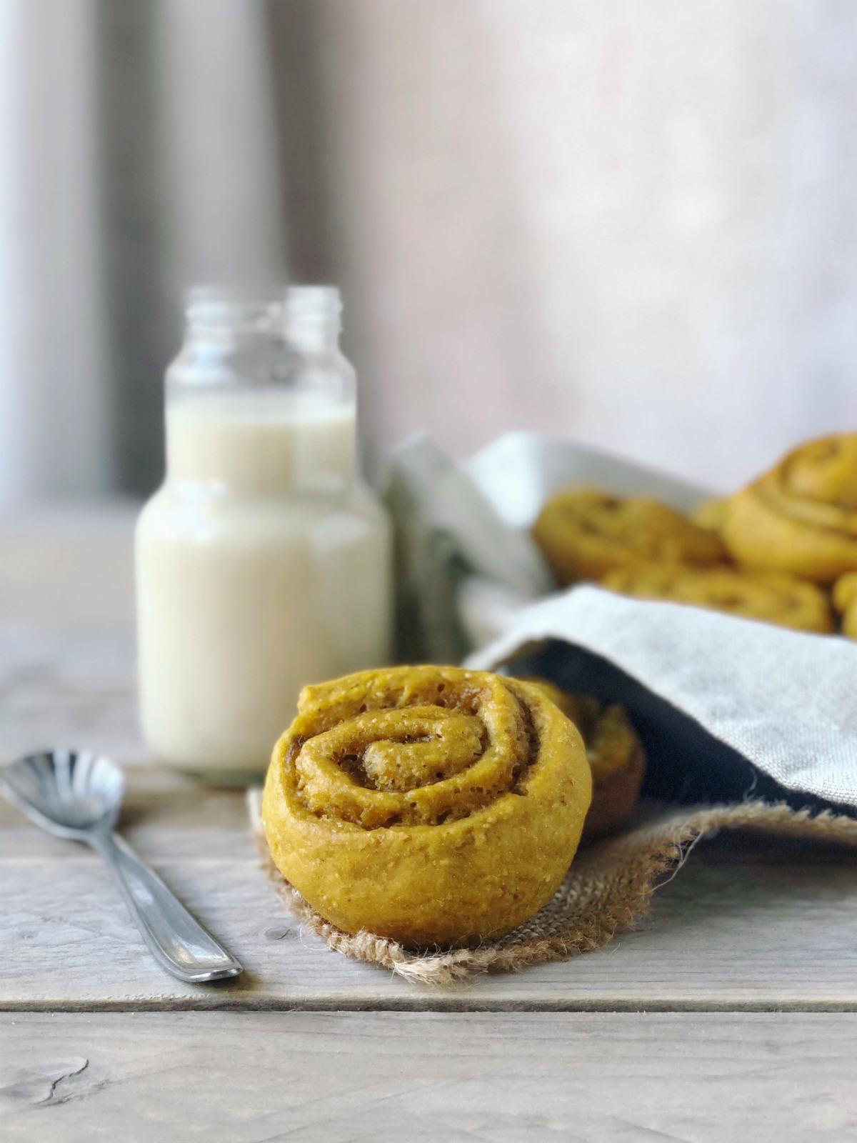 Cinnamon rolls vegan sono girelle alla zucca e cannella