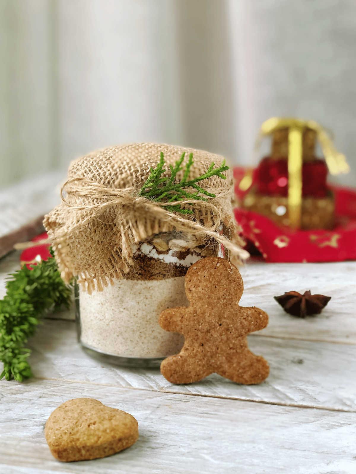 Biscotti di pasta frolla con olio in barattolo