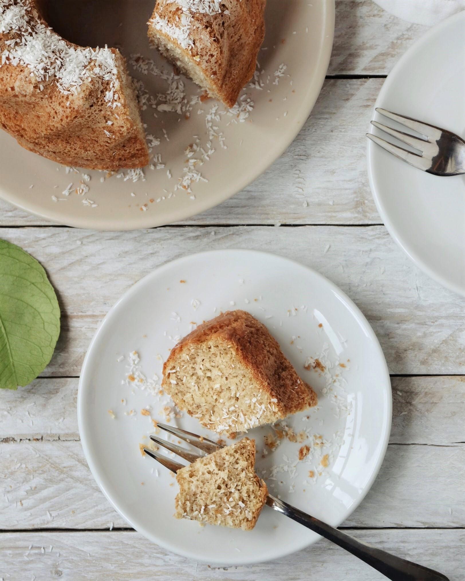 La ricetta della torta integrale allo yogurt e cocco