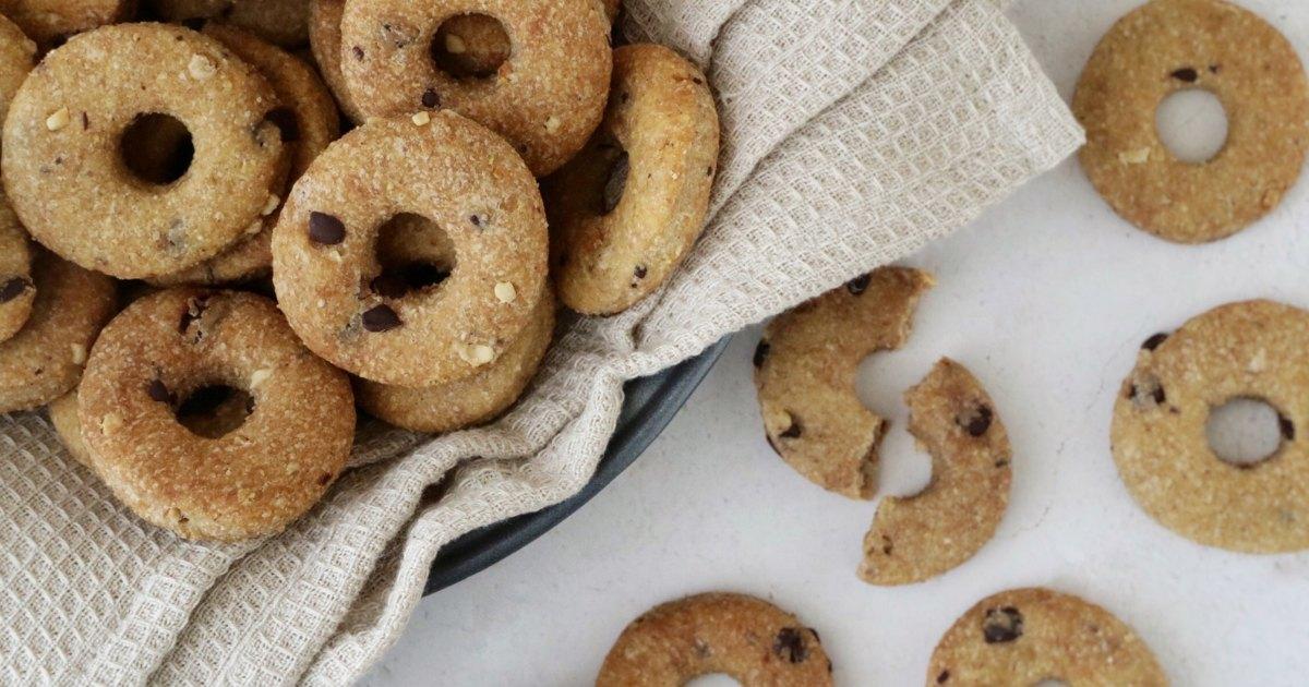 Biscotti con farina integrale fatti in casa senza burro e senza uova