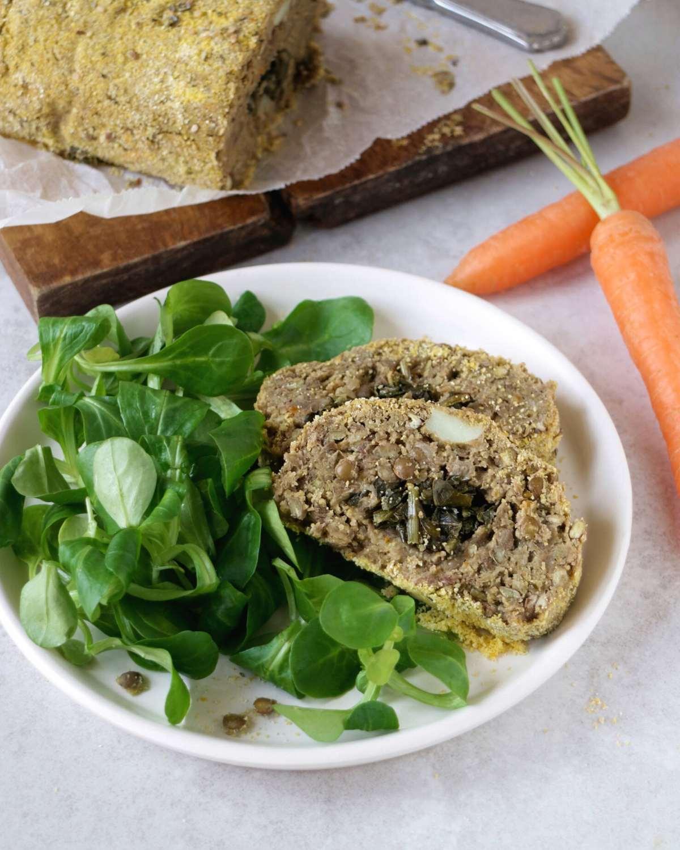 Ricetta con le lenticchie: polpettone ripieno al forno